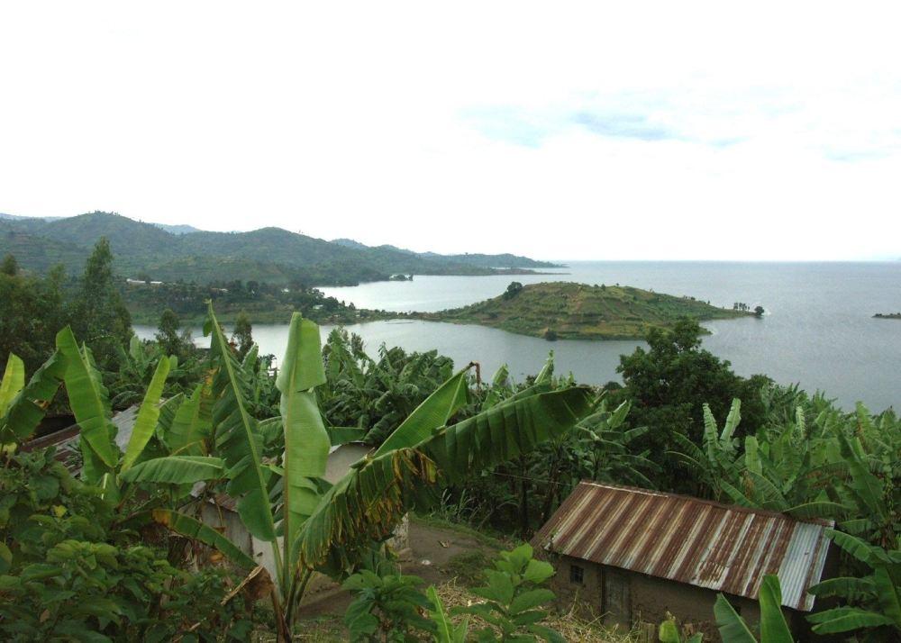Lake Kivu.png.jpg